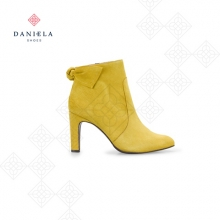 YELLOW BOOTS WITH BOW