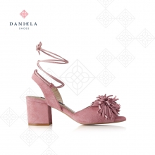 SUEDE SANDAL WITH DETAIL
