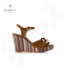 WEDGE SANDAL WITH CHAIN